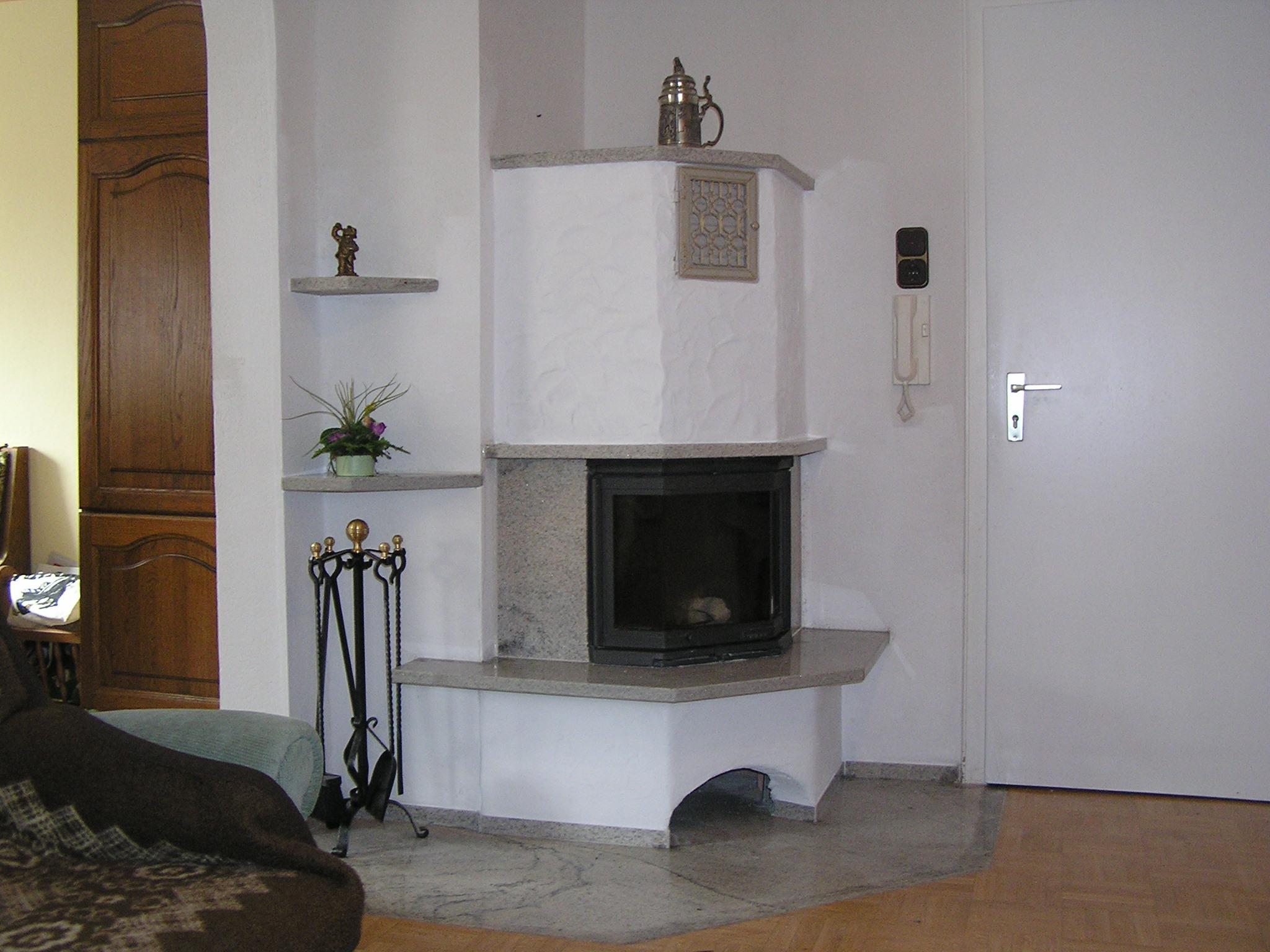 ein kleiner heizkamin mit ca. Black Bedroom Furniture Sets. Home Design Ideas